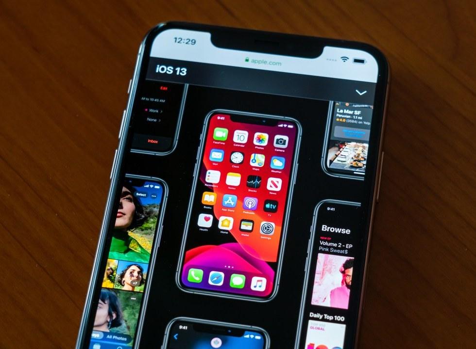 ¿Por qué es bueno mantener a tu celular en modo oscuro?
