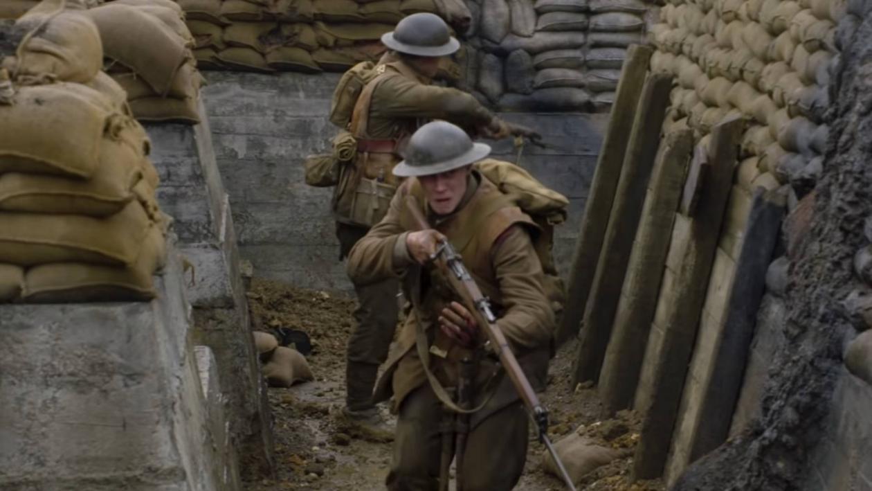 Sam Mendes nos involucra en la vida de los militares Scho y Blake, dos casi niños que deberán ir en busca de un pelotón que se dirige directamente a una emboscada