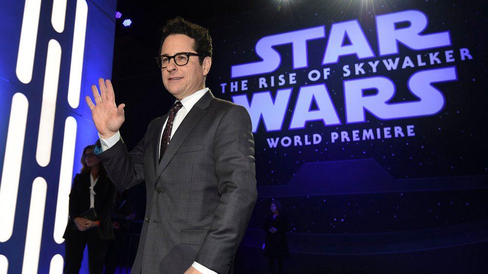 J.J. Abrams rinde homenaje a actor de Star Wars muerto por COVID-19